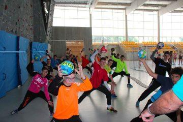 Groupe de stagiaire pendant un entraînement de handball