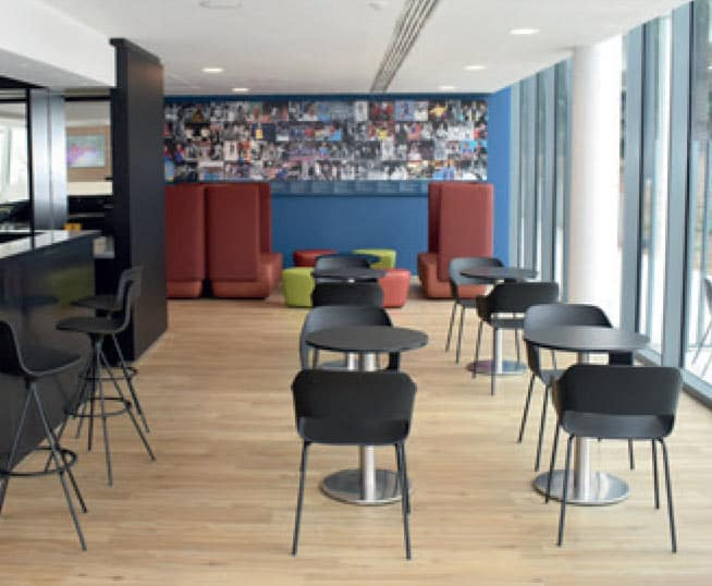 Photo de la salle commune de la maison du handball